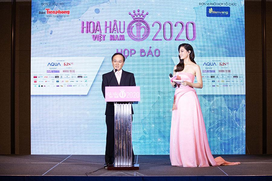Ông Yuyo Murakami - Giám đốc Điều hành Công ty Điện máy AQUA Việt Nam, đại diện Nhà tài trợ Kim cương phát biểu tại họp báo.